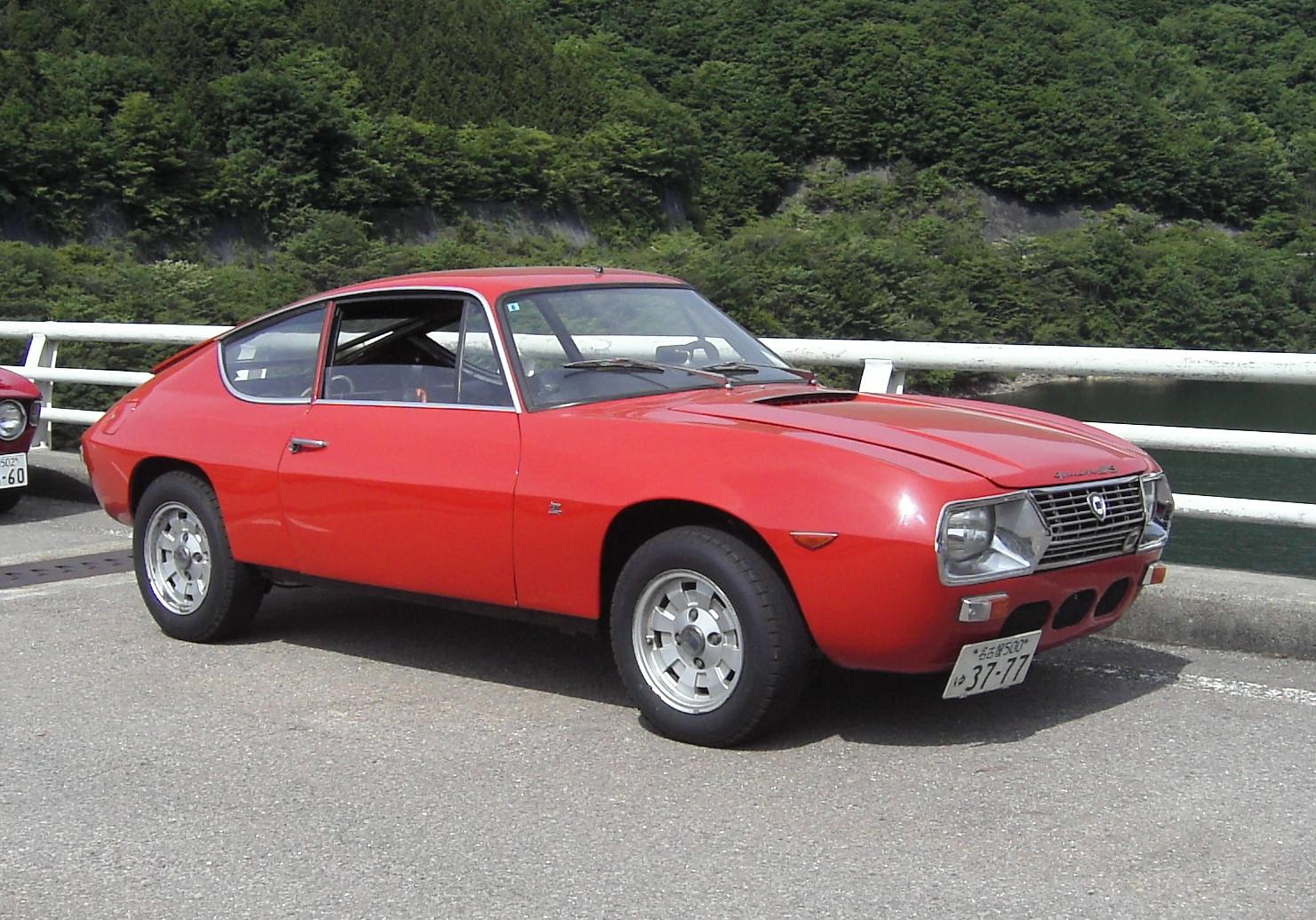 http://zagatoclub.jp/cars/23141409.JPG
